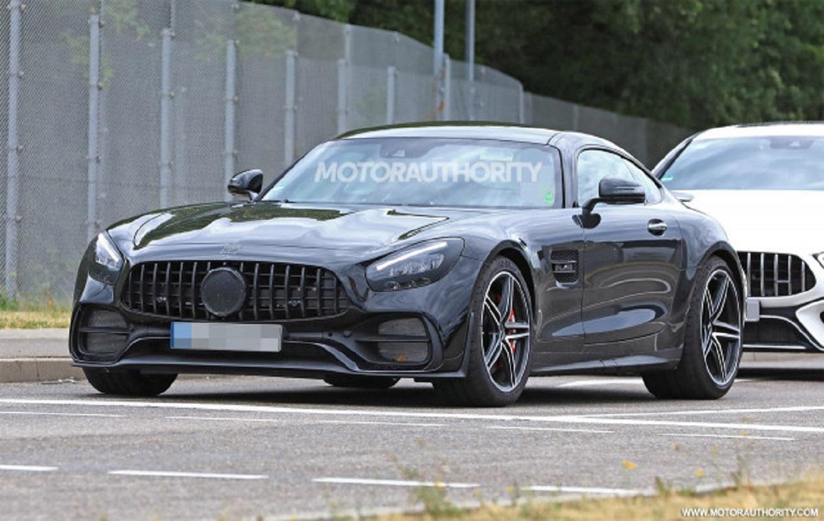 Mercedes AMG GT 2020 foto spia