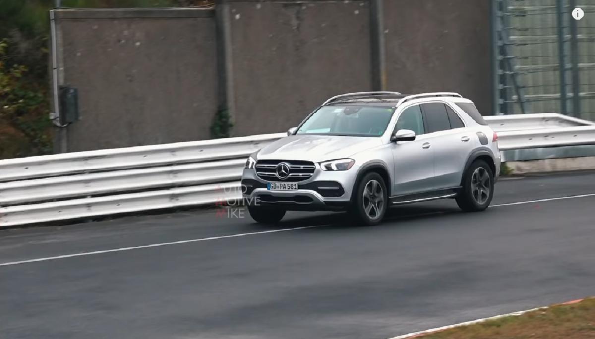 Nuovo Mercedes GLE ibrida plug-in video spia