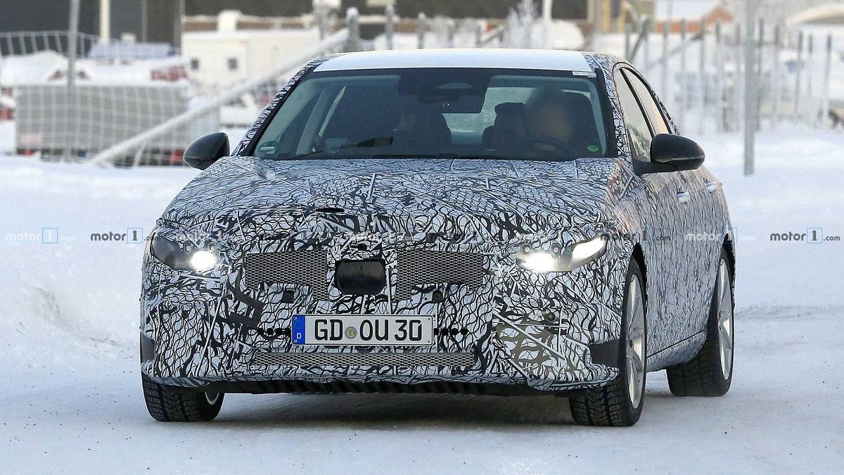 Mercedes Classe C nuova generazione foto spia