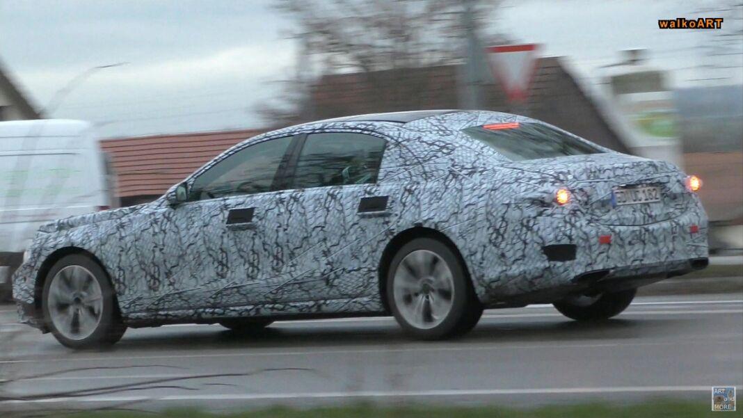 Mercedes Classe S W223 test Natale video spia