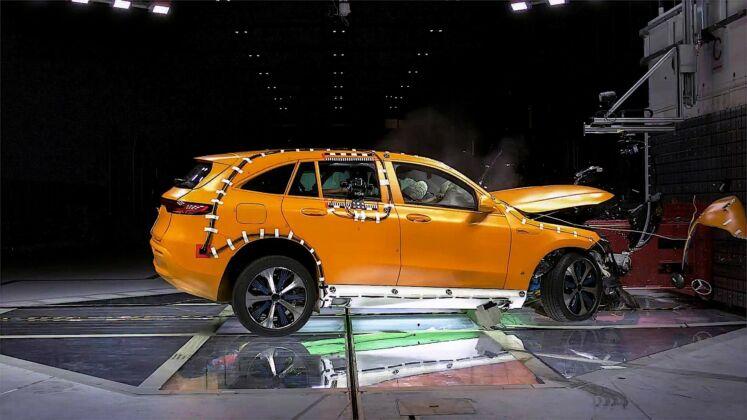 Mercedes EQC test sicurezza