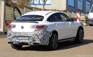 Mercedes GLC 63 AMG Coupé 2020 nuovi video foto spia