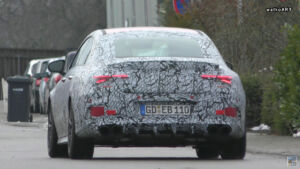 Nuova Mercedes CLA 45 AMG prototipo scarico quadruplo video