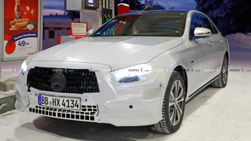 Nuova Mercedes Classe E berlina foto spia