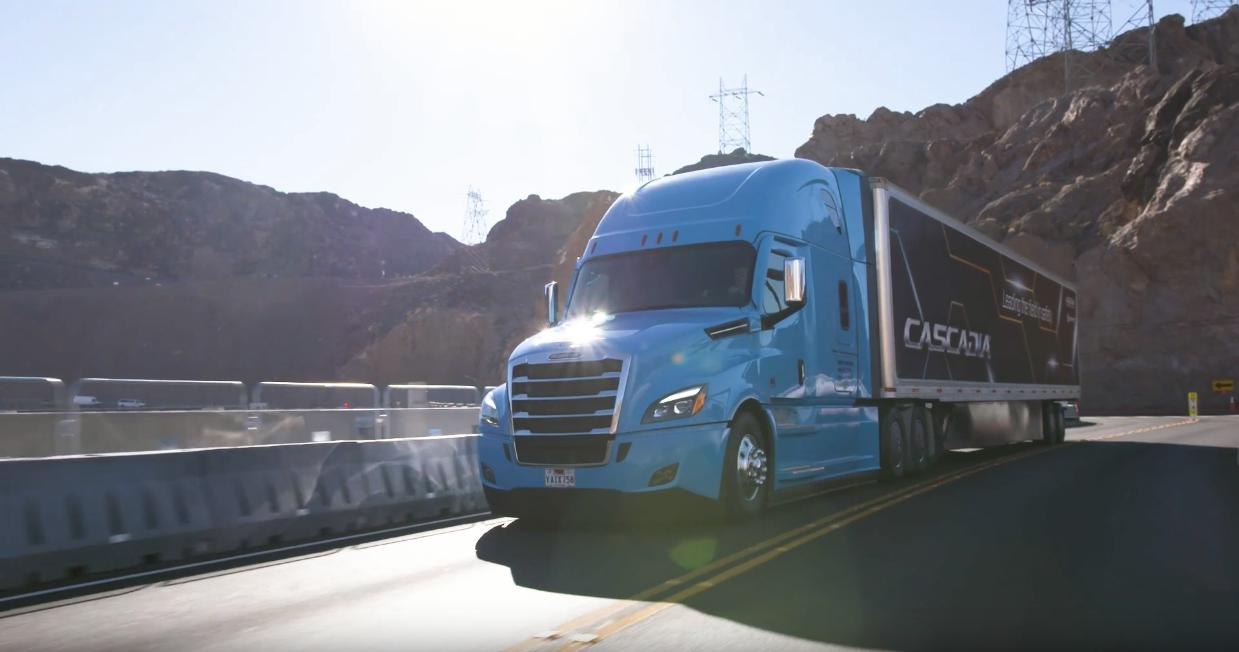 Daimler camion guida autonoma