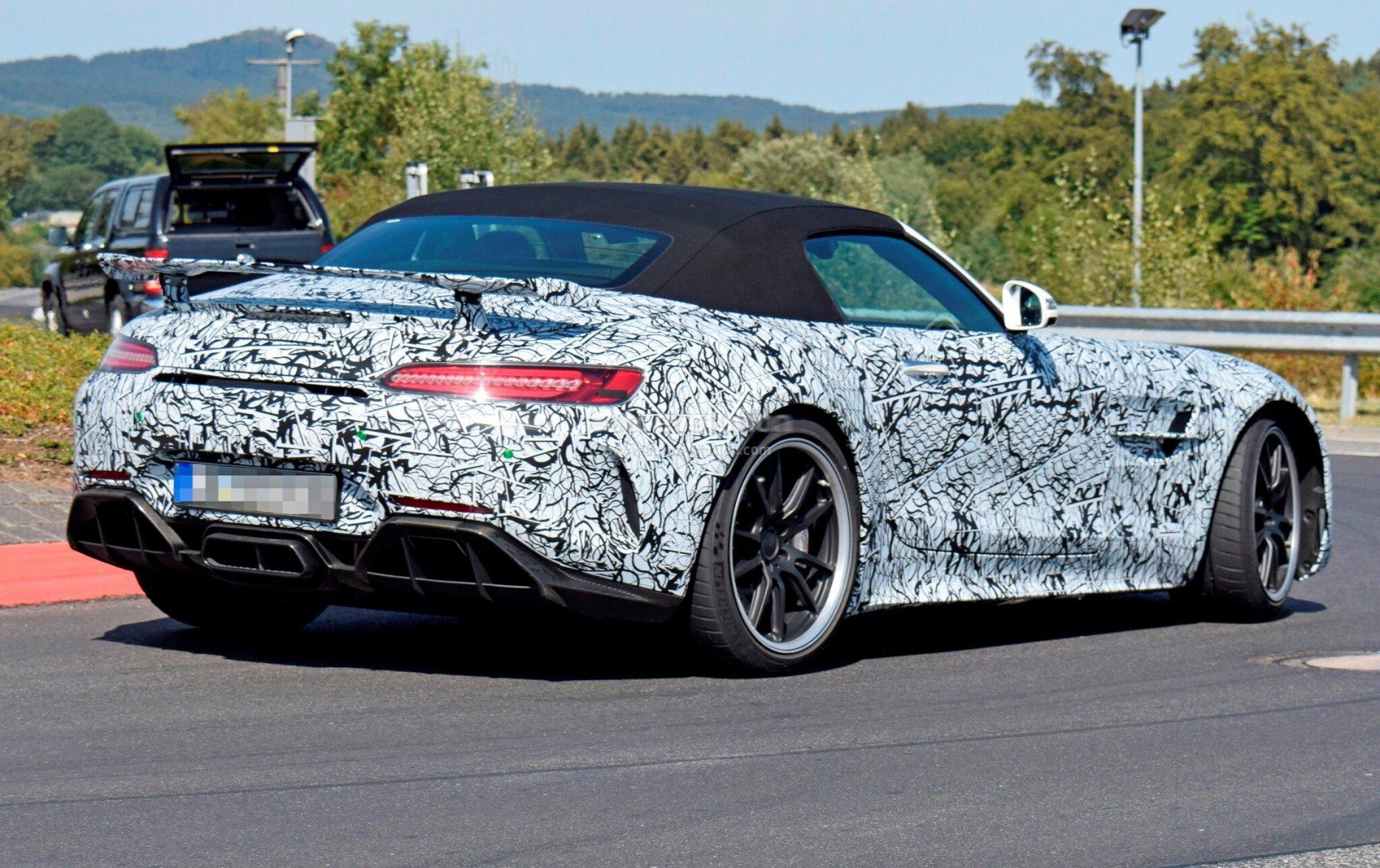Mercedes-AMG GT R Roadster conferma