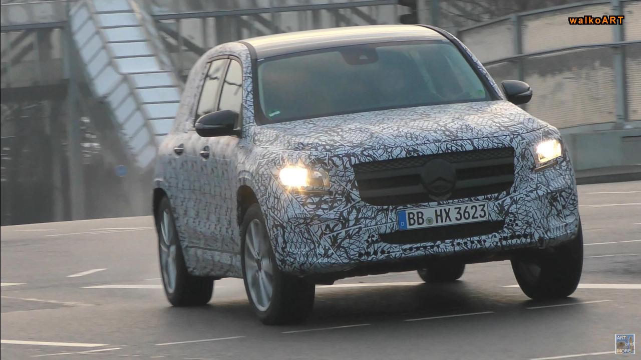 Mercedes GLB nuovo video spia SUV