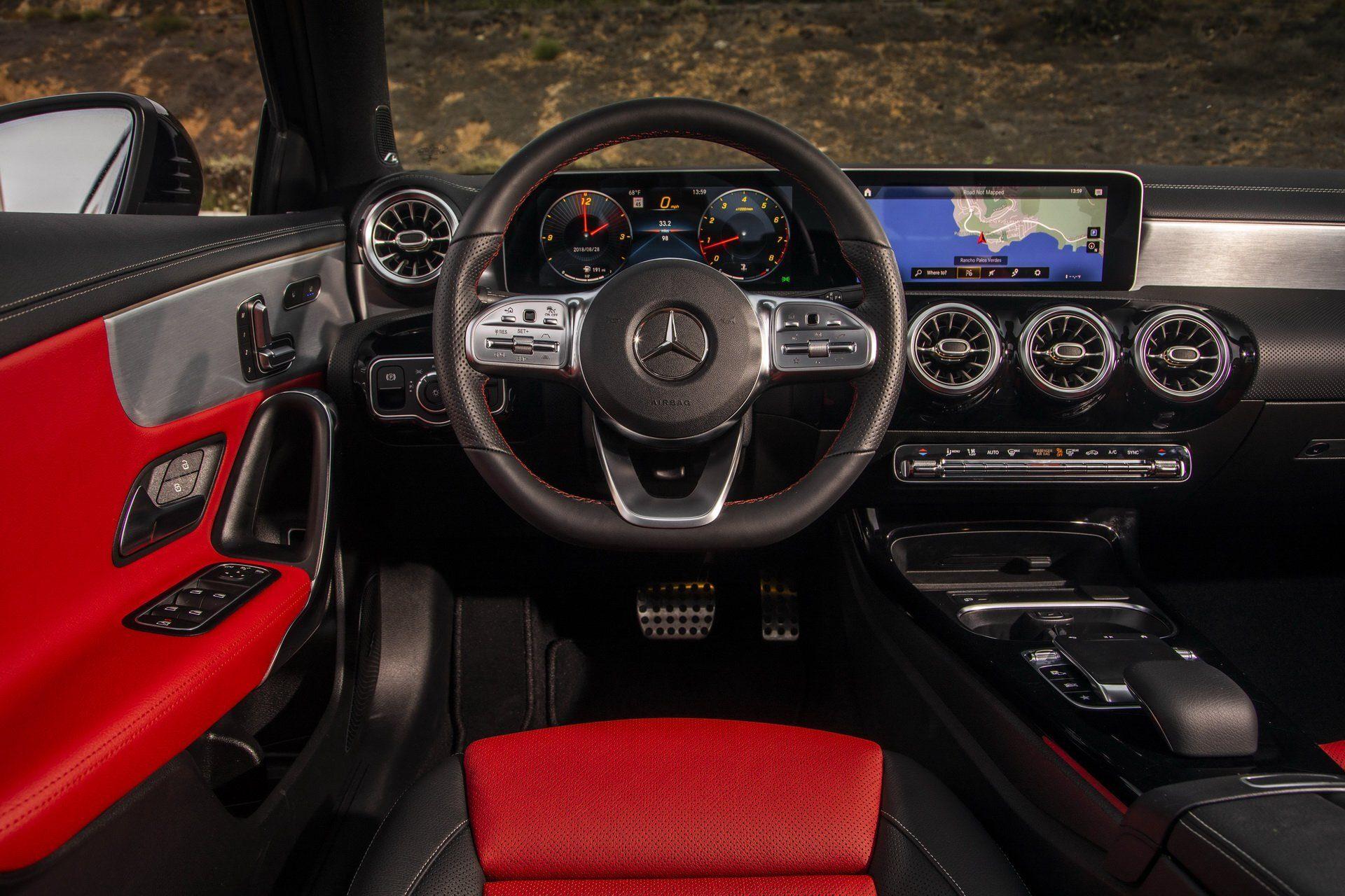 Nuova Mercedes Classe A Sedan: inizia la produzione nello stabilimento di Rastatt
