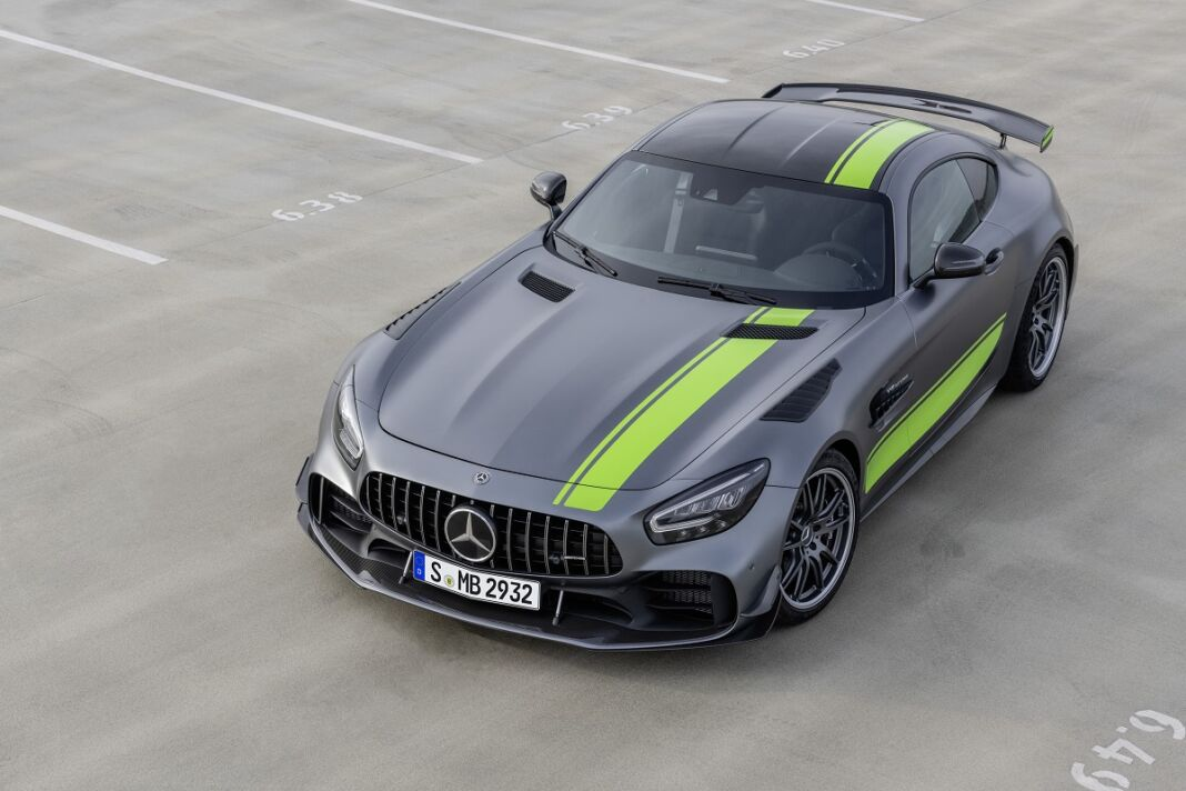 Mercedes AMG-GT R Pro prezzi specifiche UK