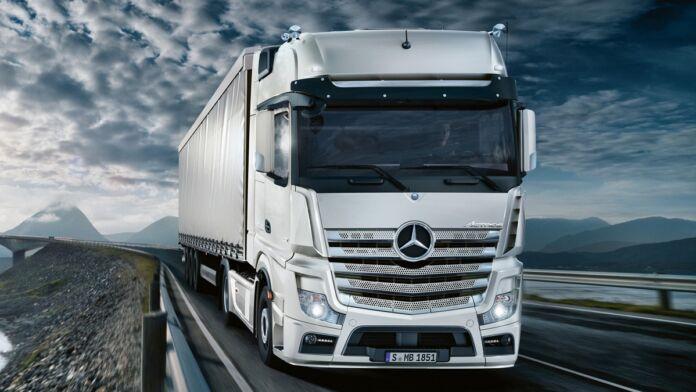 Mercedes Trucks acquisisce Habbl