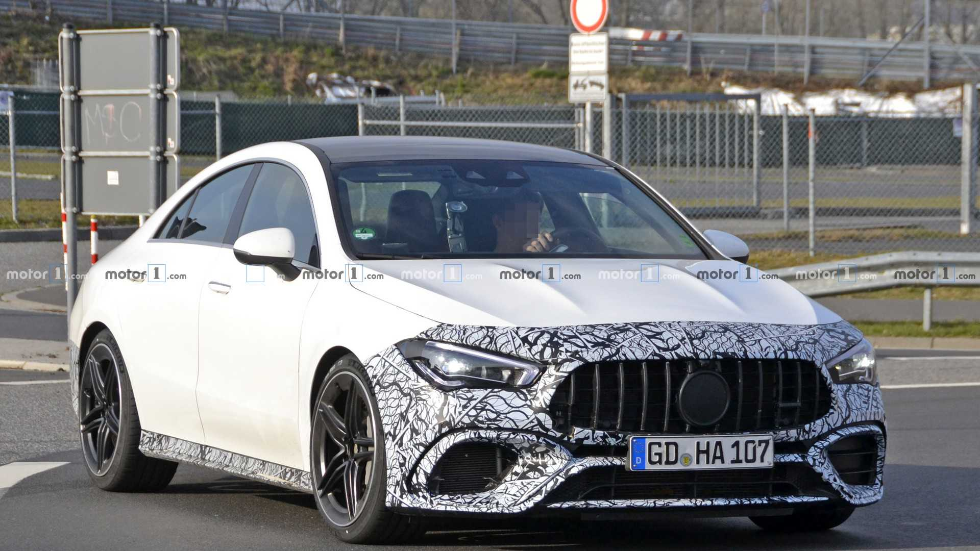 Nuova Mercedes CLA 45 AMG foto spia