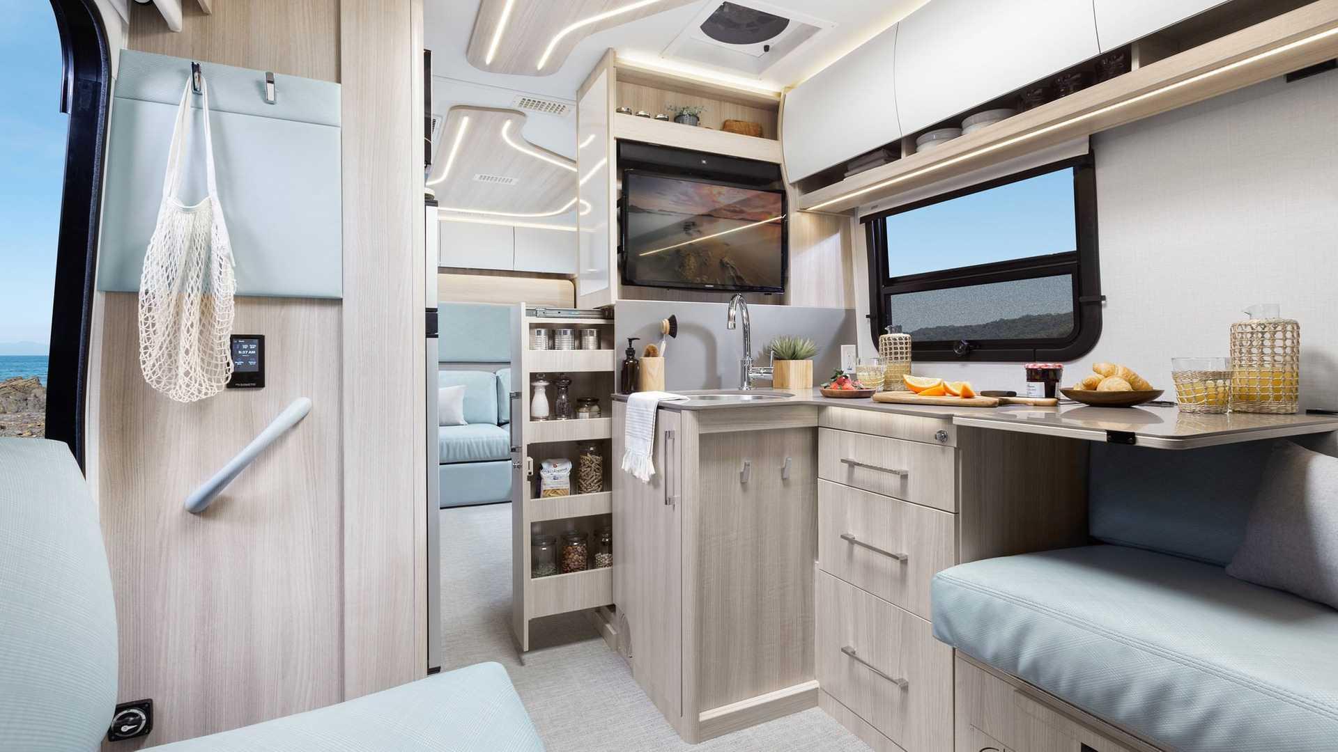 Unity Rear Lounge Concept Mercedes Sprinter