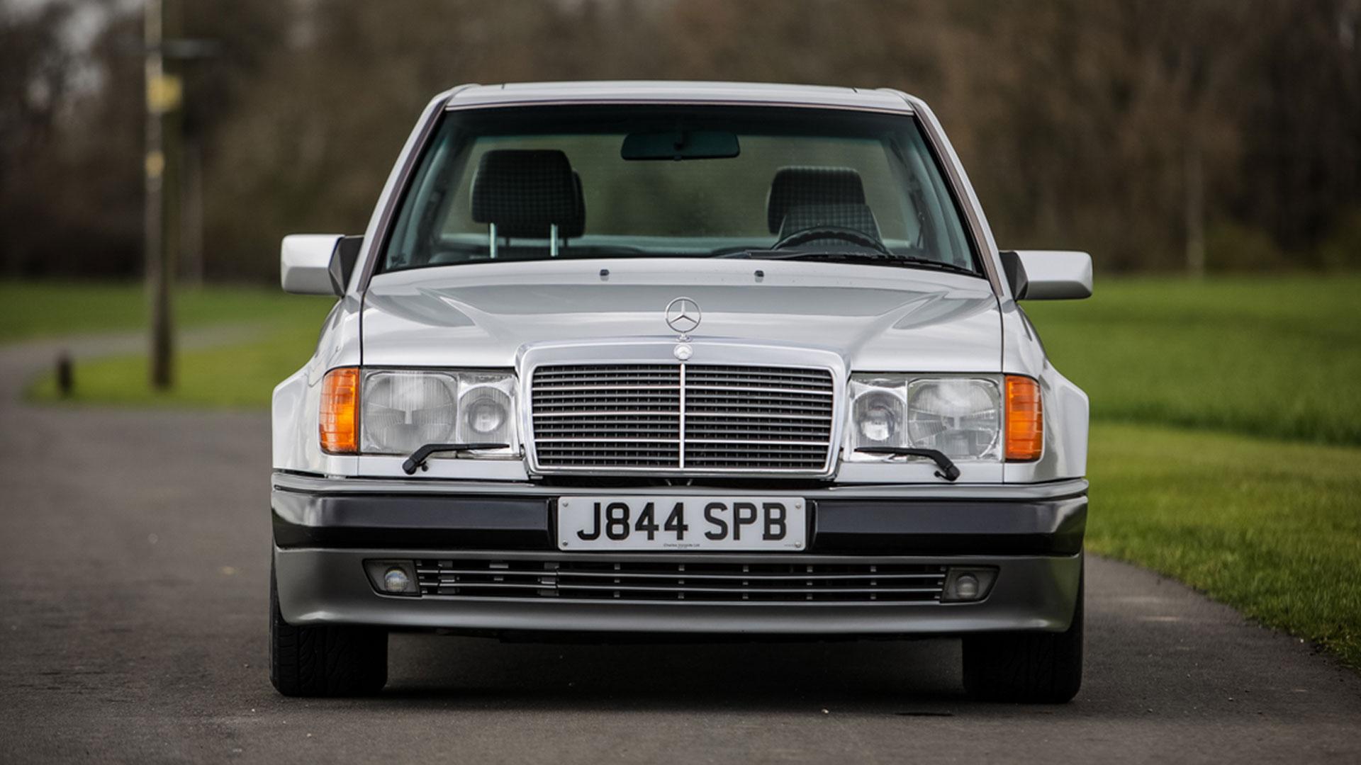 Mercedes 500E Rowan Atkinson asta