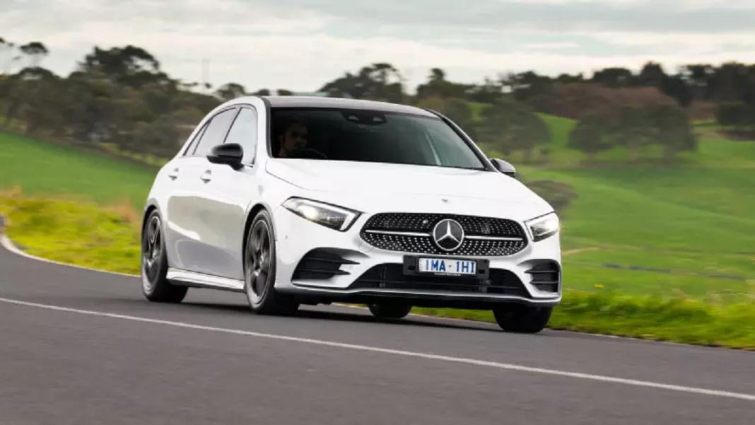 Mercedes Classe A 2019 richiamo luci abbaglianti