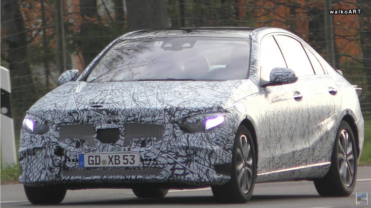 Mercedes Classe C 2021 nuovi dettagli foto spia
