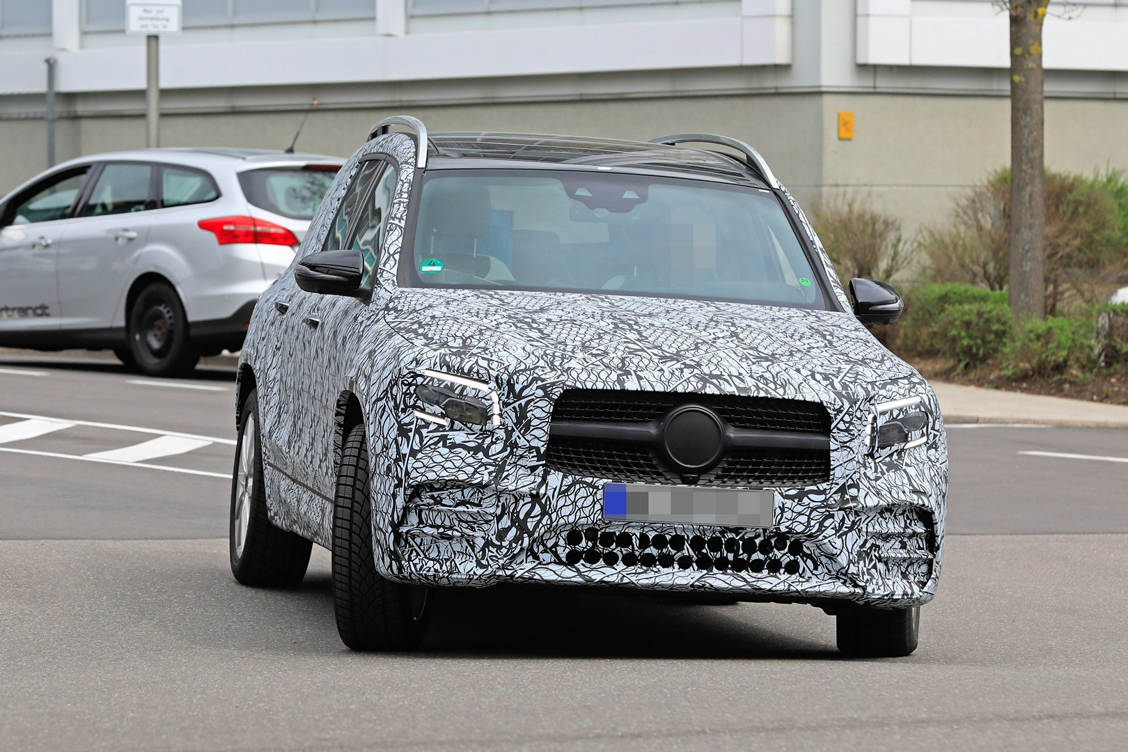 Mercedes GLB AMG Line foto spia