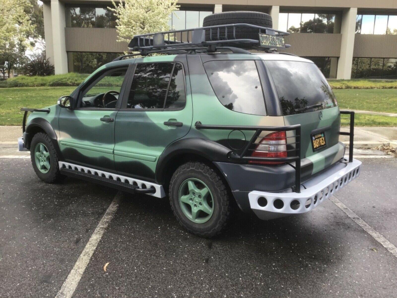 Mercedes ML replica Jurassic Park