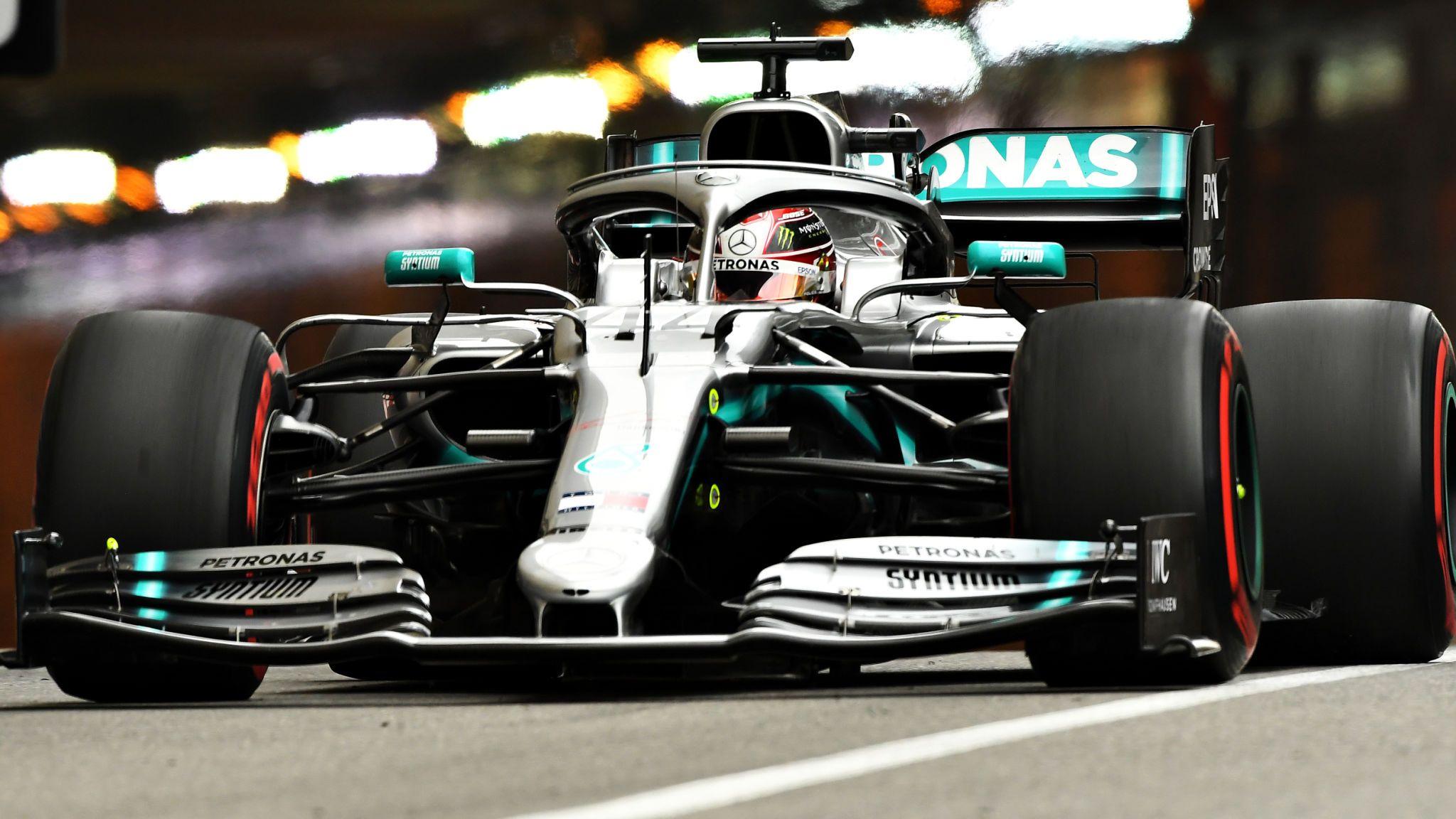 """Hamilton prevede """"una seria battaglia a tre"""" con la Red Bull e la Ferrari nel 2020 - MBenz.it"""