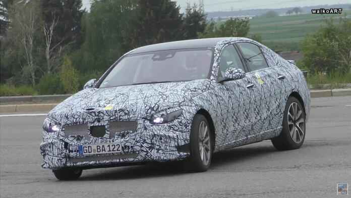 Mercedes Classe C 2021 elettrica foto spia