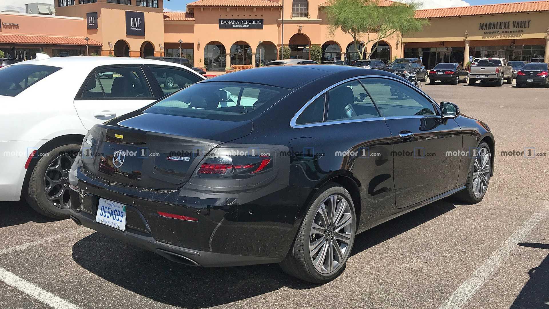 Mercedes Classe E Coupé restyling foto spia