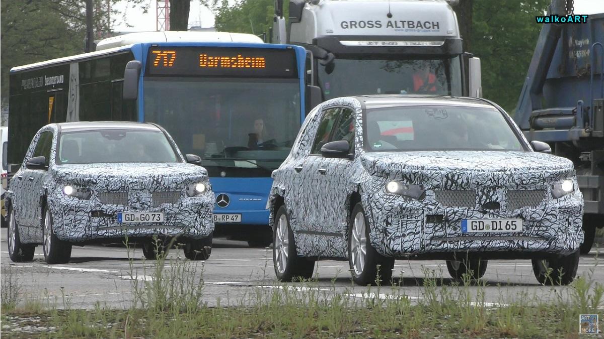 Nuovo Mercedes GLB ibrido foto spia
