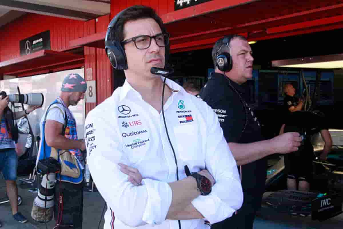 Toto Wolff nel paddock Mercedes