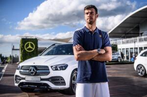 Matteo Berrettini nuovo Mercedes EQC