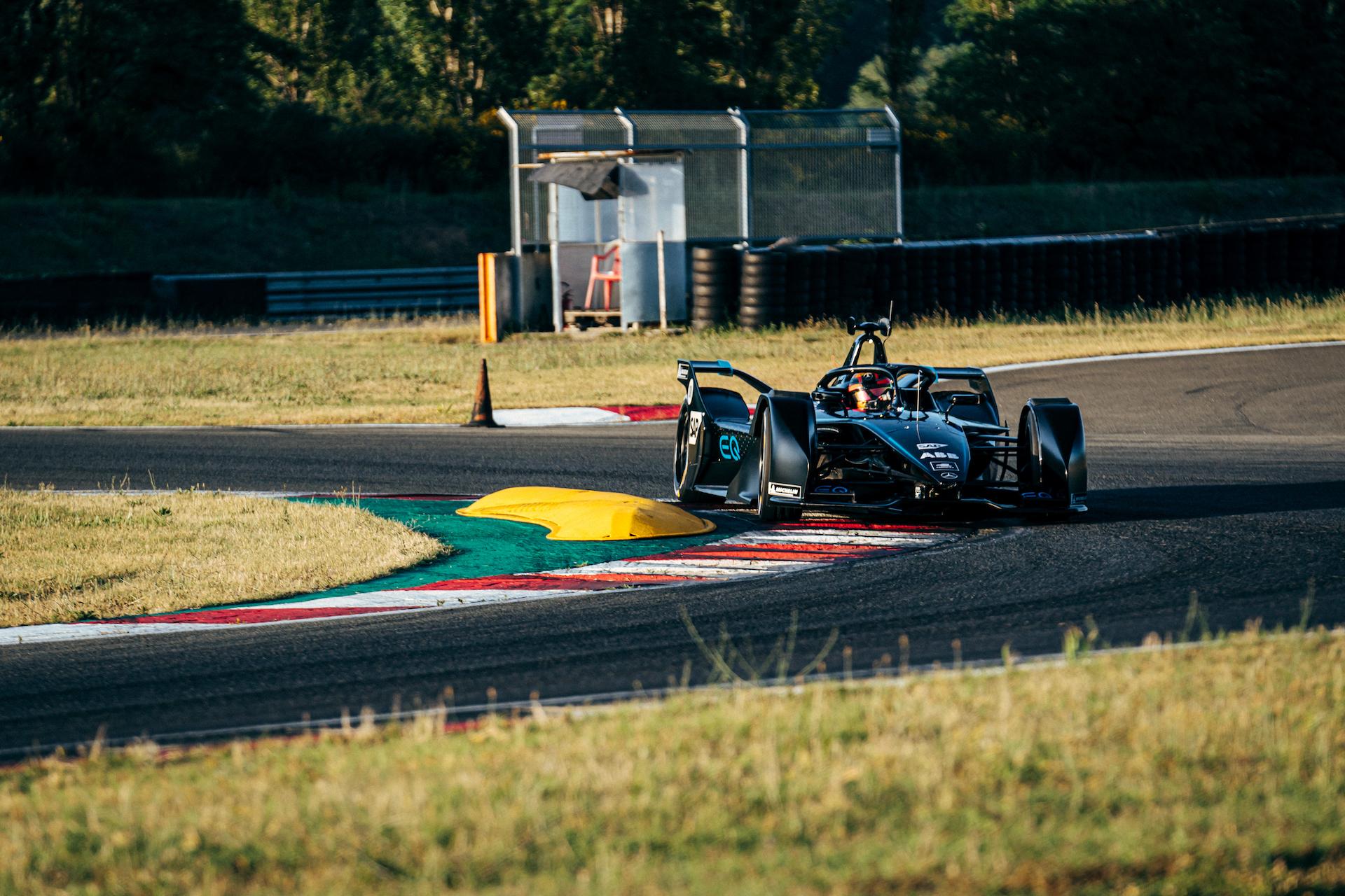 Mercedes Silver Arrow 01 primo test