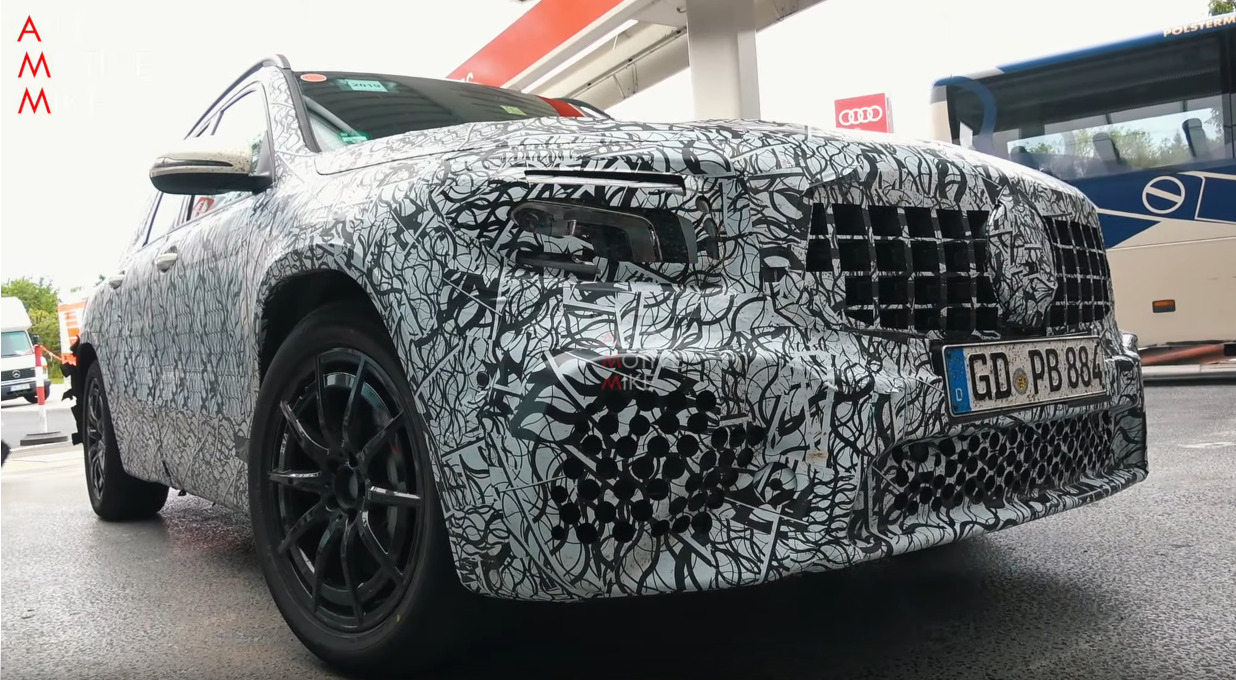 Nuovo Mercedes-AMG GLB 35 foto spia Germania