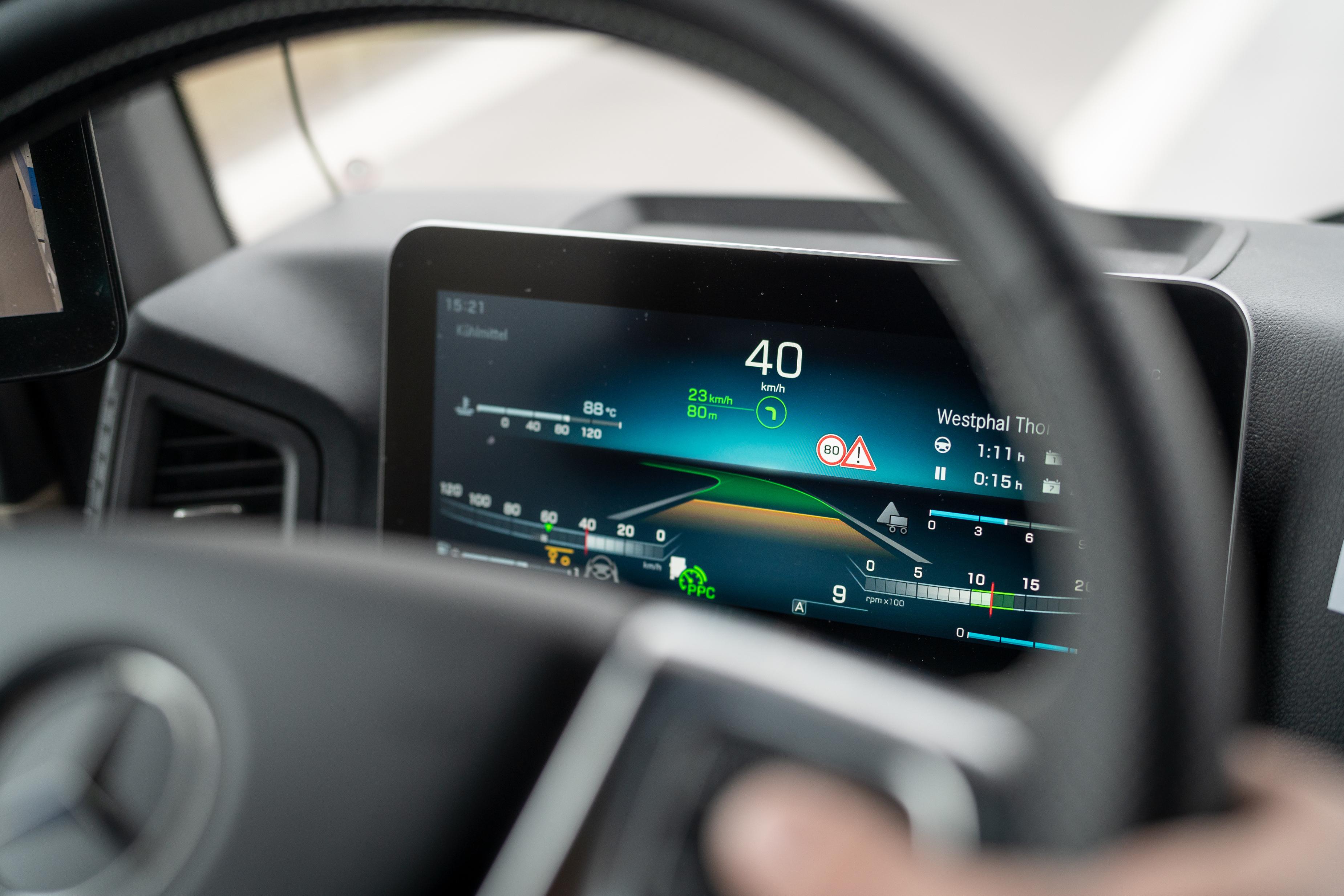 Mercedes Actros Active Drive Assist