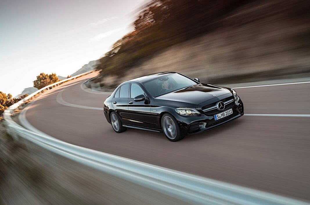 Nuova Mercedes-AMG C 43