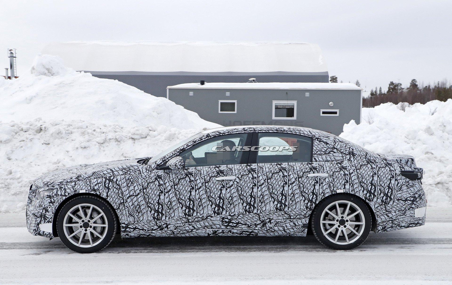 Nuova Mercedes-AMG C 63 foto spia