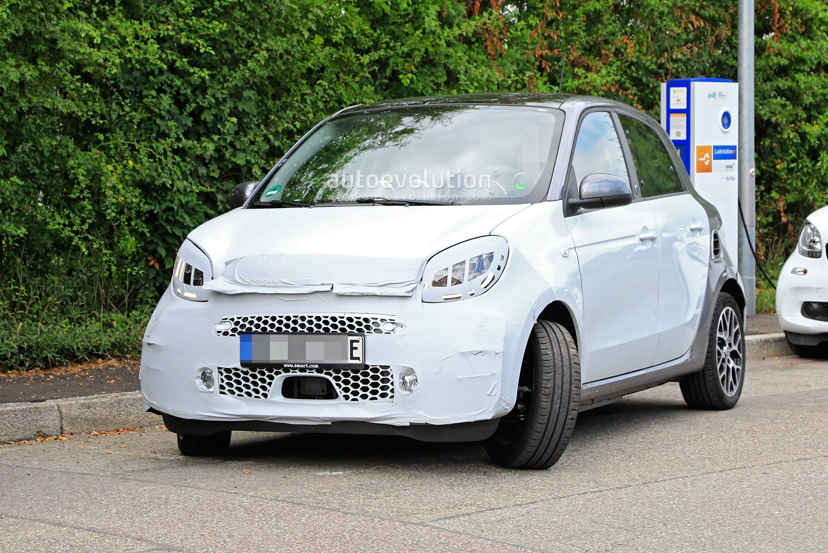 Smart EQ ForFour restyling foto spia