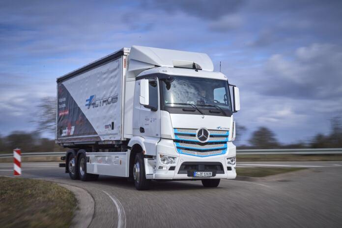 Mercedes eActros Logistik Schmitt