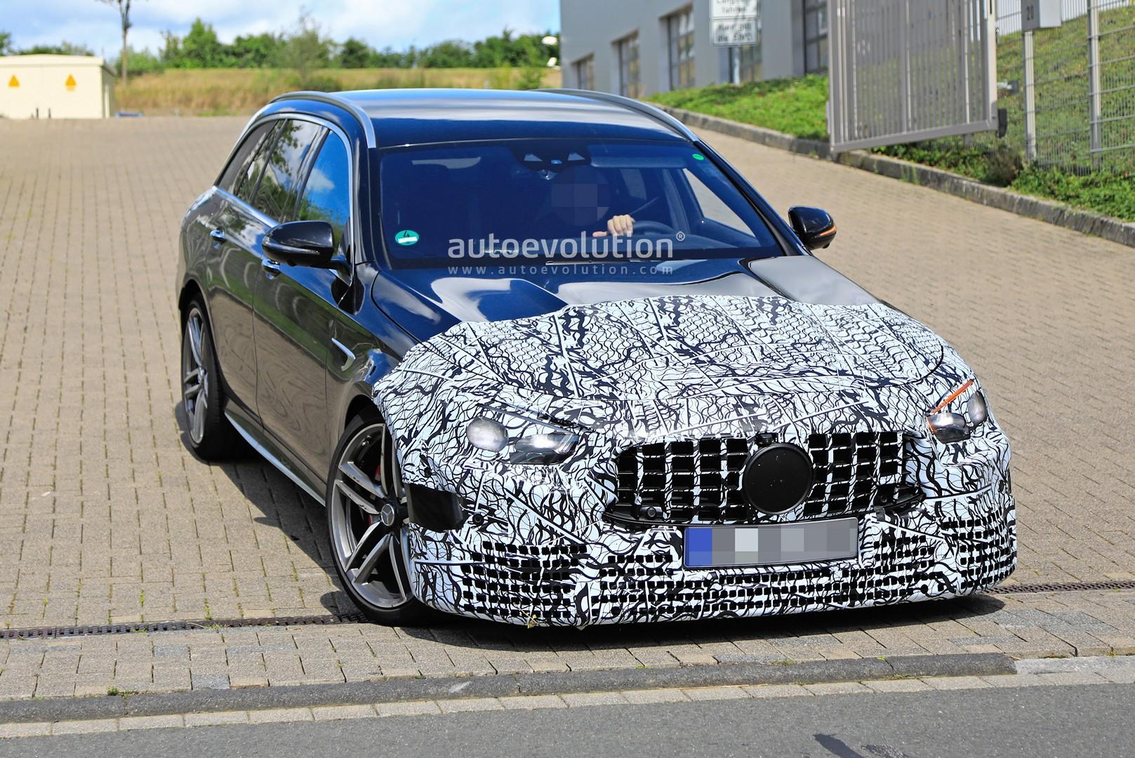 Nuova Mercedes-AMG E 63 Wagon foto spia
