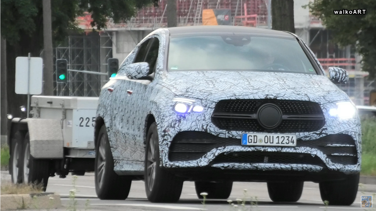 Nuovo Mercedes GLE Coupé AMG Line foto spia