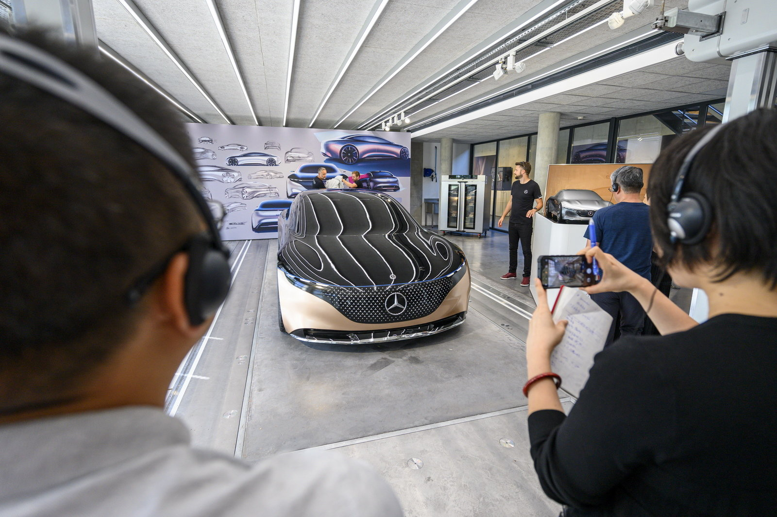 Mercedes Vision EQS centro stile