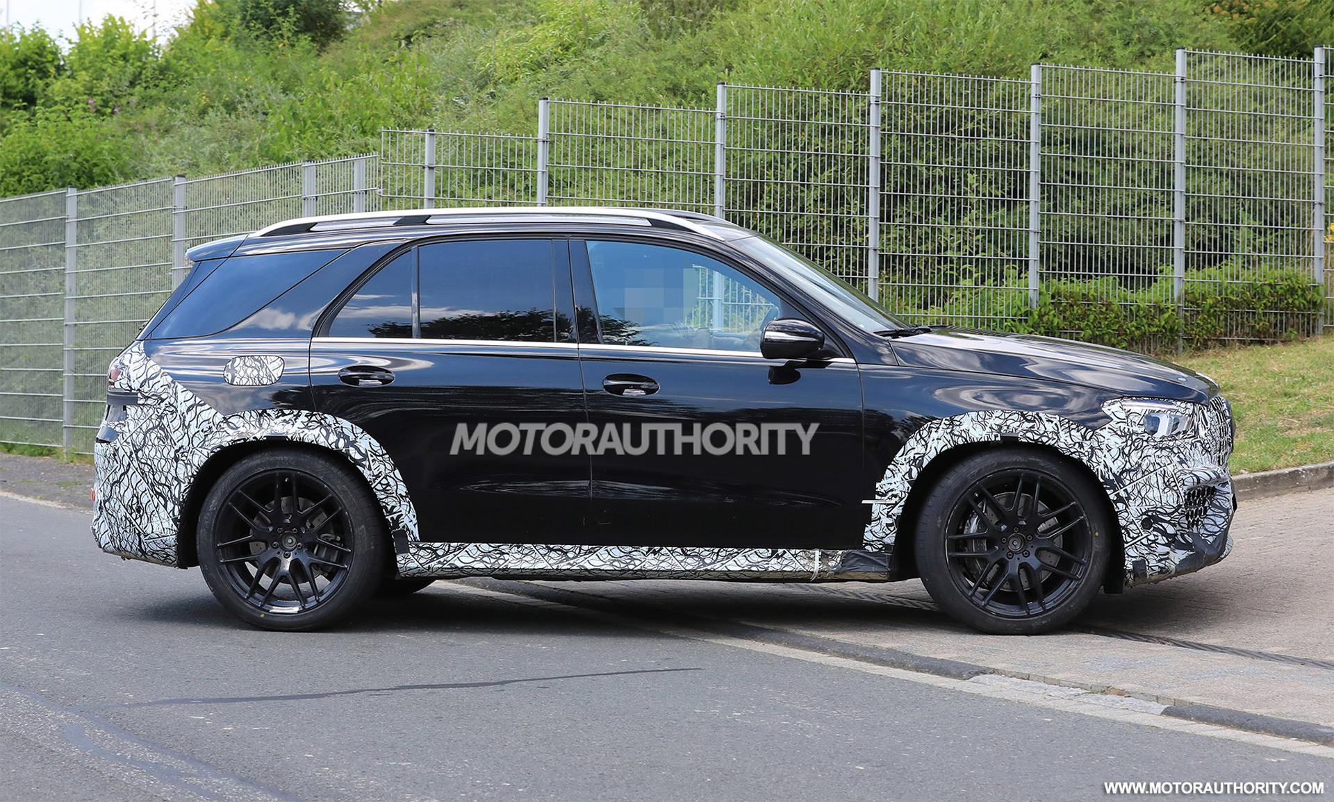 Nuovo Mercedes-AMG GLE 63 foto spia
