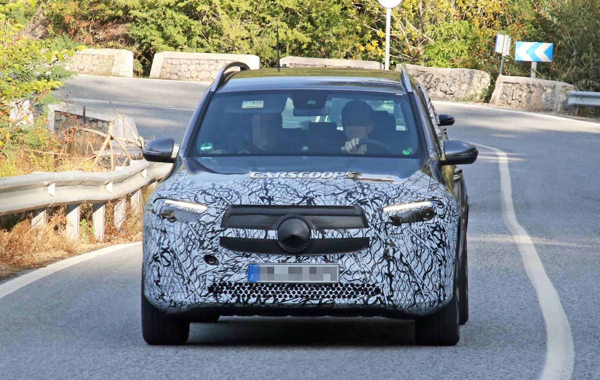 Nuovo Mercedes EQB: le ultime foto spia ci mostrano più dettagli