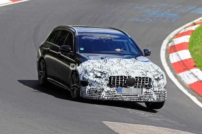 Mercedes-AMG E 63 Station Wagon foto spia