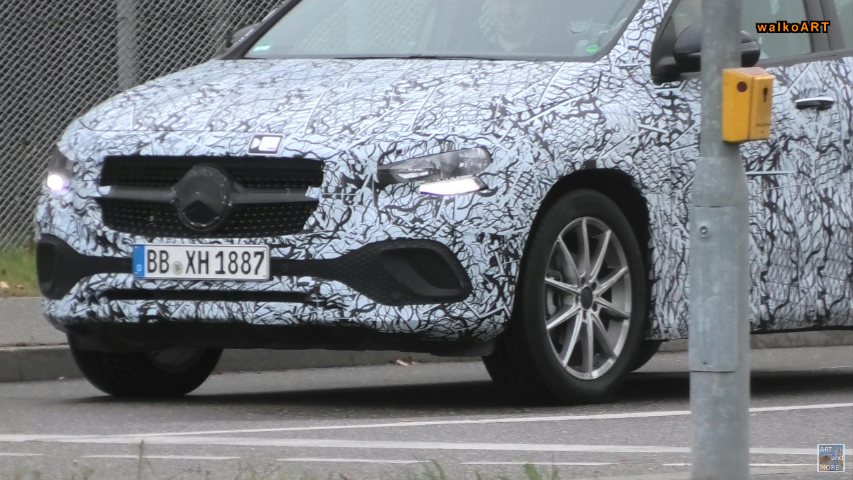 Mercedes GLA 2021 foto spia