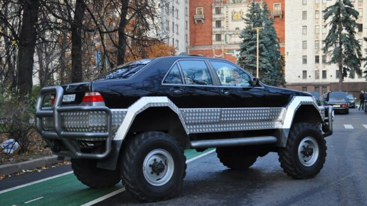 Mercedes S 500 W140 monster truck