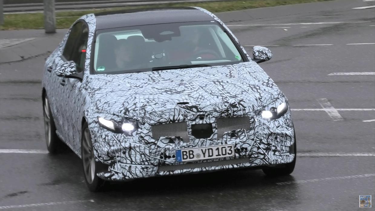 Nuova Mercedes Classe C strade Germania