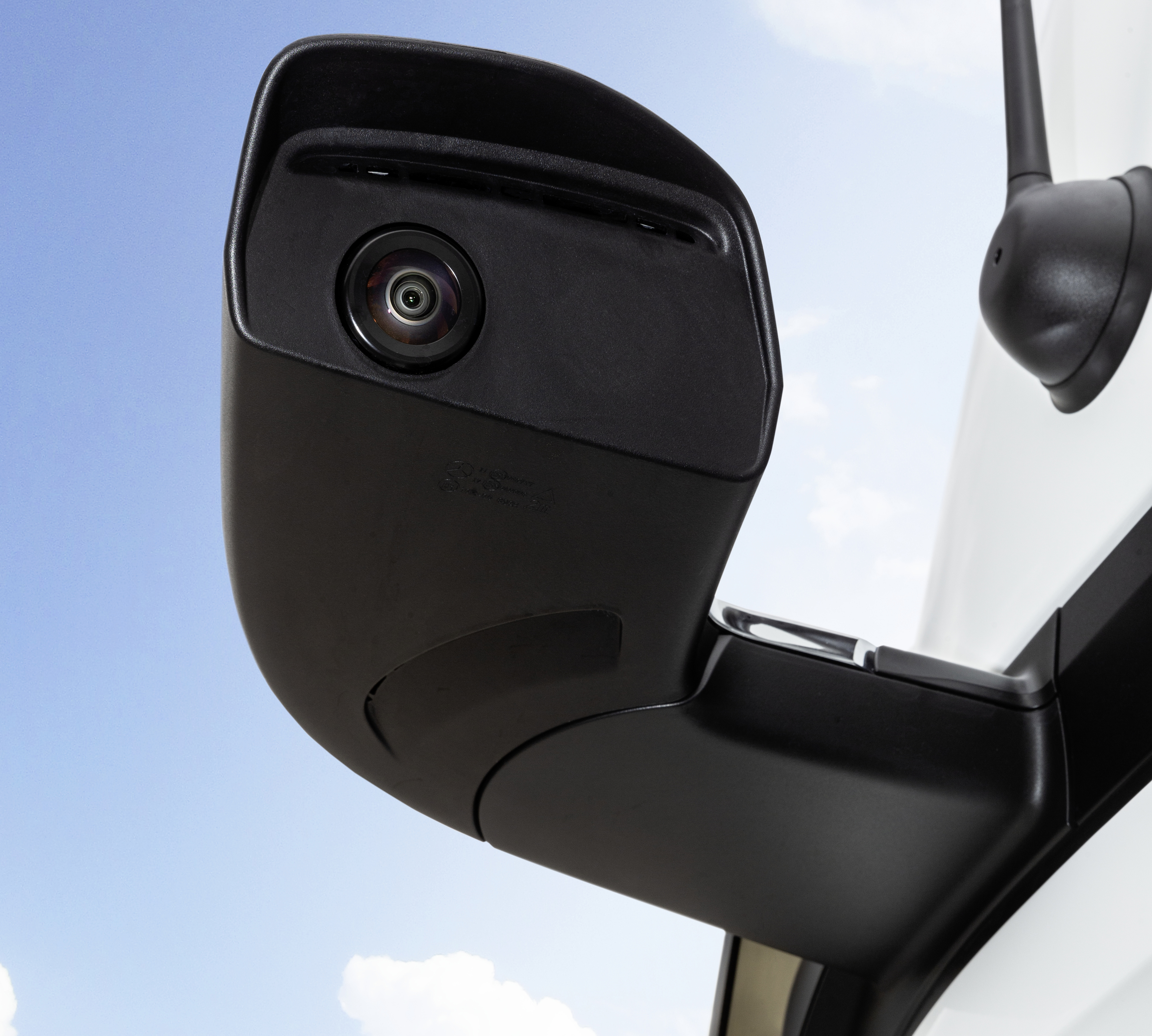 Nuovo Mercedes Actros MirrorCam