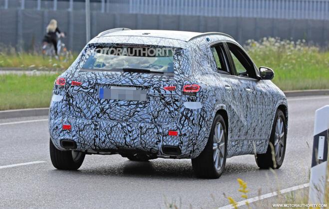 Nuovo Mercedes GLA prototipo