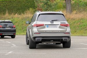 Nuovo Mercedes-Maybach GLS foto spia camuffamenti