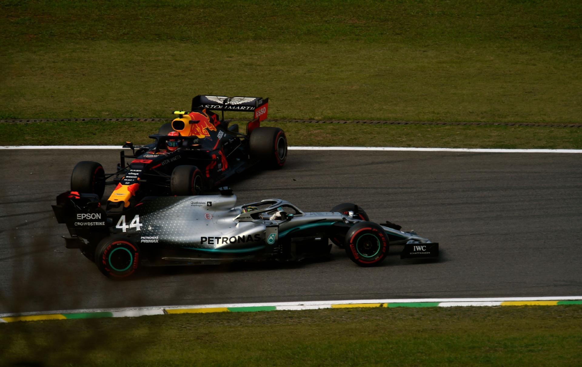 Mercedes sa che non avrebbero dovuto rischiare l'ulteriore pit-stop di Hamilton in Brasile - MBenz.it