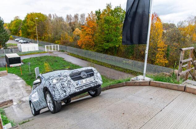 Mercedes GLA 2020 prototipo Autocar