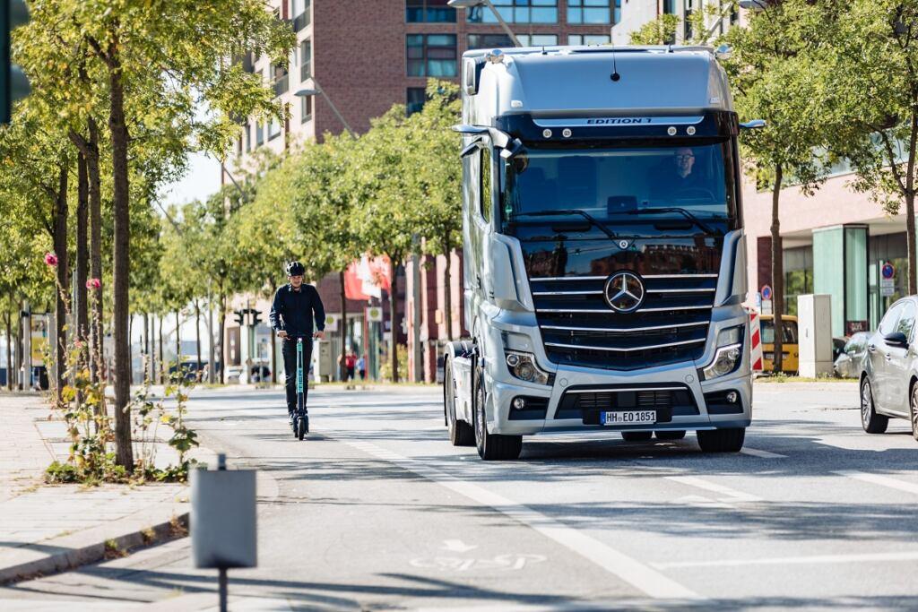 Mercedes Sideguard Assist
