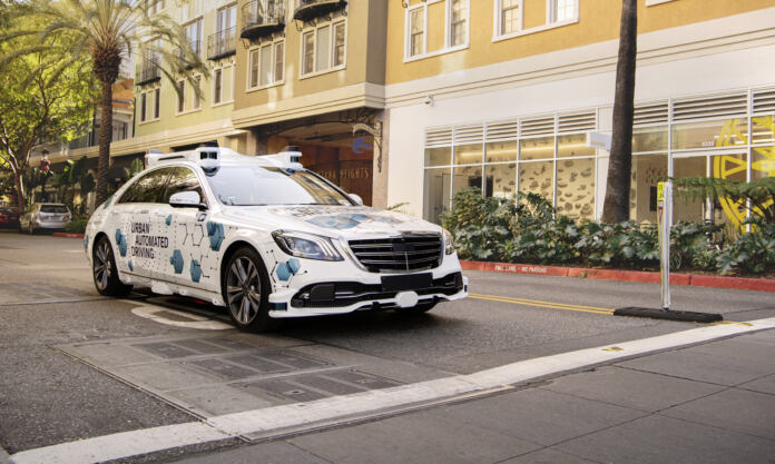 Mercedes Classe S guida autonoma